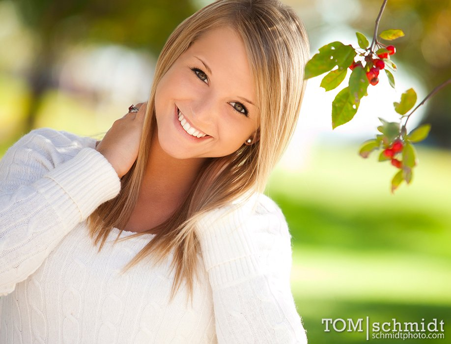 Fun Senior Portrait Ideas - outdoor photo shoot - Natural Light