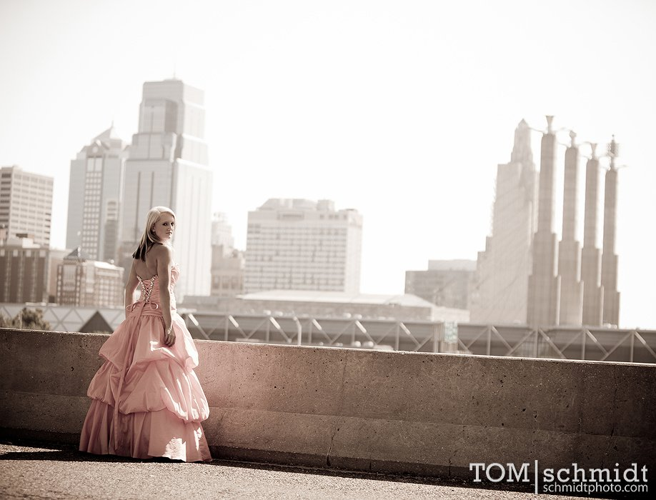 Senior Picture Ideas - Poses for your senior shoot