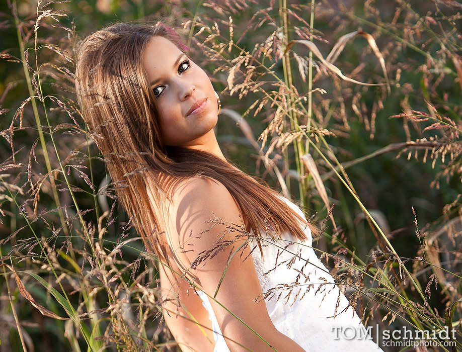 Outdoor Senior Portraits - unique senior pictures - Faceboook Profile Pics